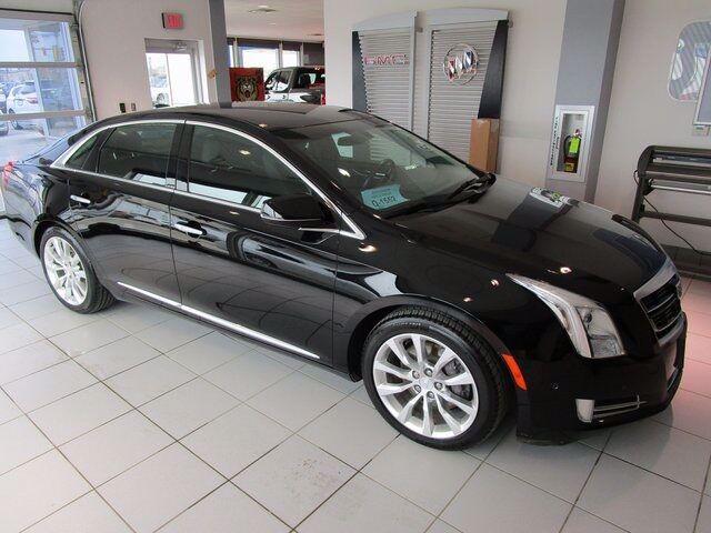 2016 Cadillac XTS Luxury, Black Raven (Black), Front Wheel
