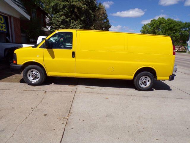 2012 GMC Savana Cargo 2500, Wheatland Yellow (Yellow), Rear Wheel