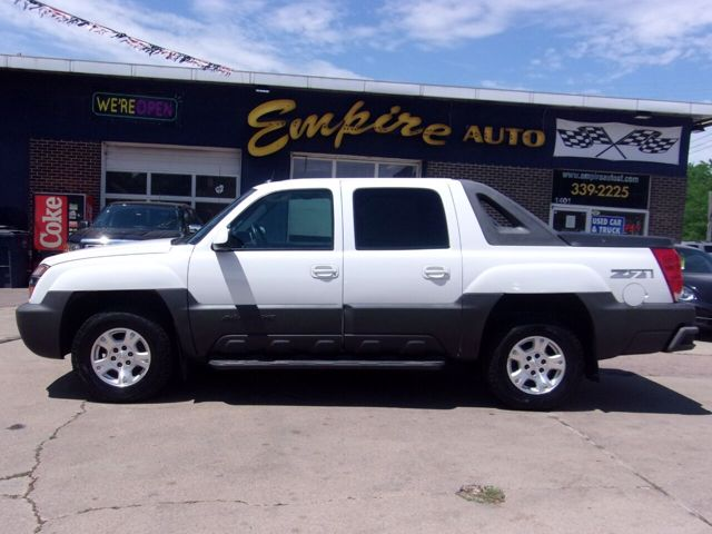 2004 Chevrolet Avalanche 1500, Summit White (White), 4 Wheel