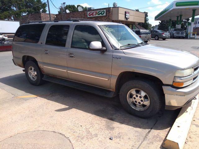 2002 Chevrolet Suburban 1500, Light Pewter Metallic (Gray), 4 Wheel