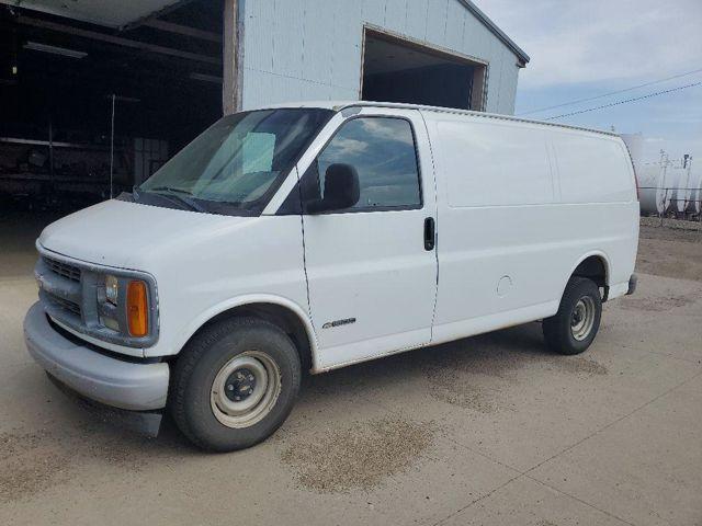 2002 Chevrolet Express Cargo 1500, Summit White (White), Rear Wheel