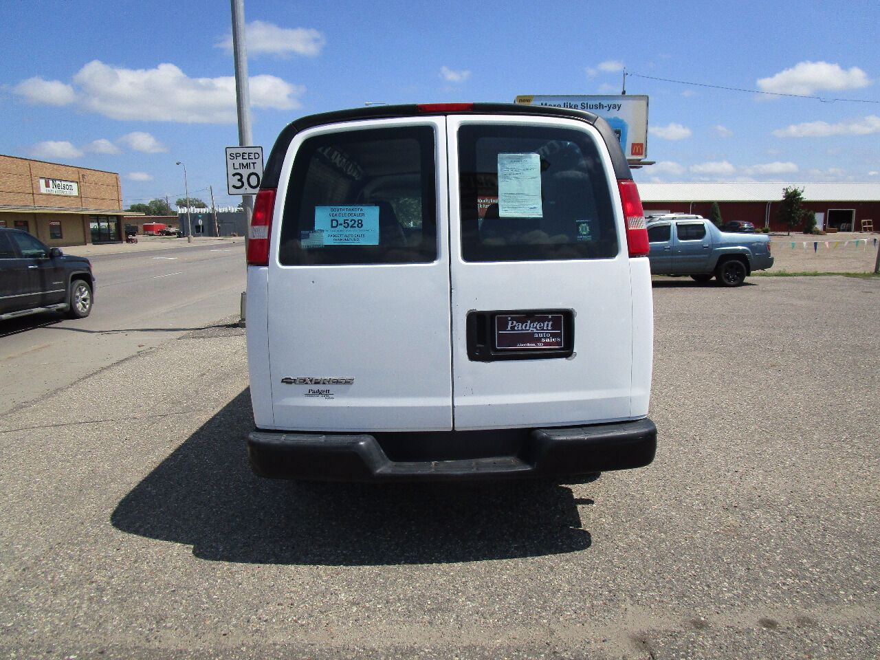 2004 Chevrolet Express Cargo 1500 | Aberdeen, SD, Summit White (White), Rear Wheel