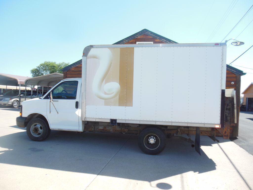 2006 Chevrolet Express Cutaway 3500 | Rapid City, SD, White, RWD