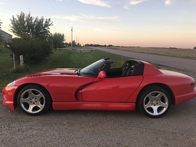 2001 Dodge Viper RT/10, Viper Red Clearcoat/Viper Red HT (Red & Orange), Rear Wheel