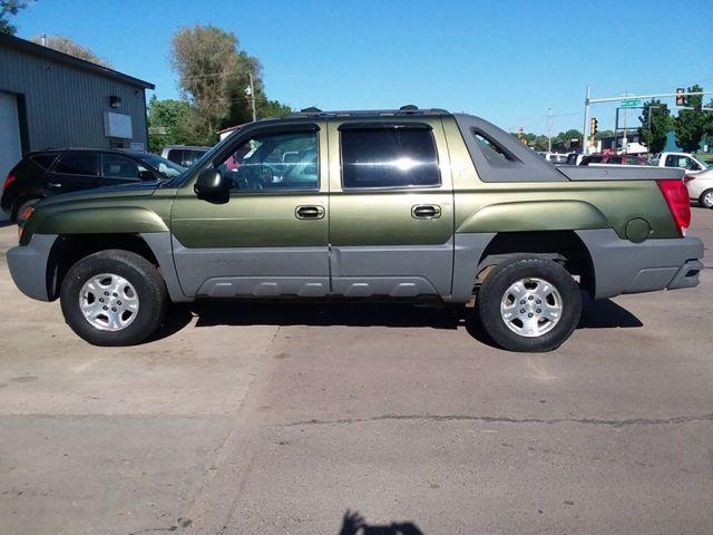 2002 Chevrolet Avalanche 1500, Medium Sage Green Metallic (Green), 4 Wheel